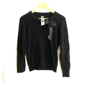 NWT Gap crew neck sweater with ribbon bow detail